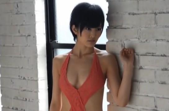 NMB48(アイドル)さや姉こと山本彩の巨乳丸出し水着グラビア撮影風景